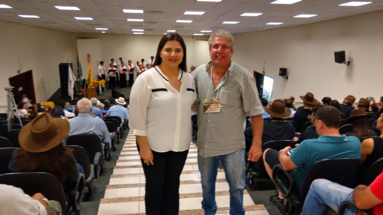 Presidente da ATIVARG Nelson Antonio em Compania da secretaria de Turismo e Cultura Mariana de Campina Verde .